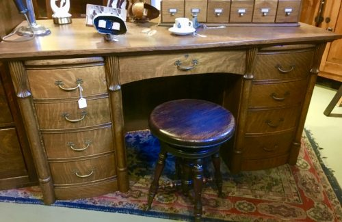 Desk in Tiger oak ca.1890