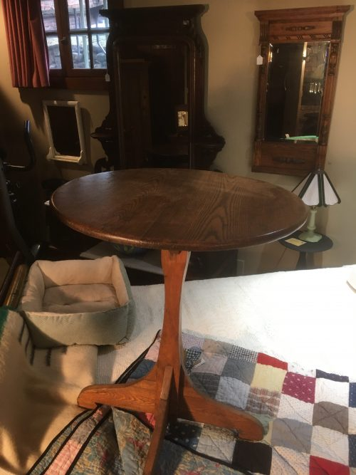Round table Ca 1850